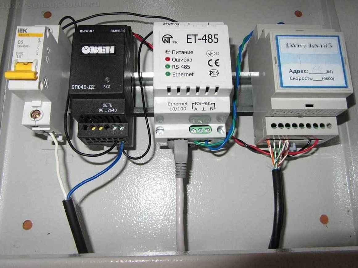 Компоненты системы многоточечного мониторинга температуры на складе. Преобразователь сигнала 1-wire в Modbus RTU и модем Modbus RTU - LAN.